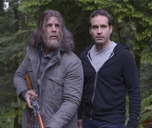 Tim Griffin e Jason Patric em 'Wayward Pines' | Reprodução