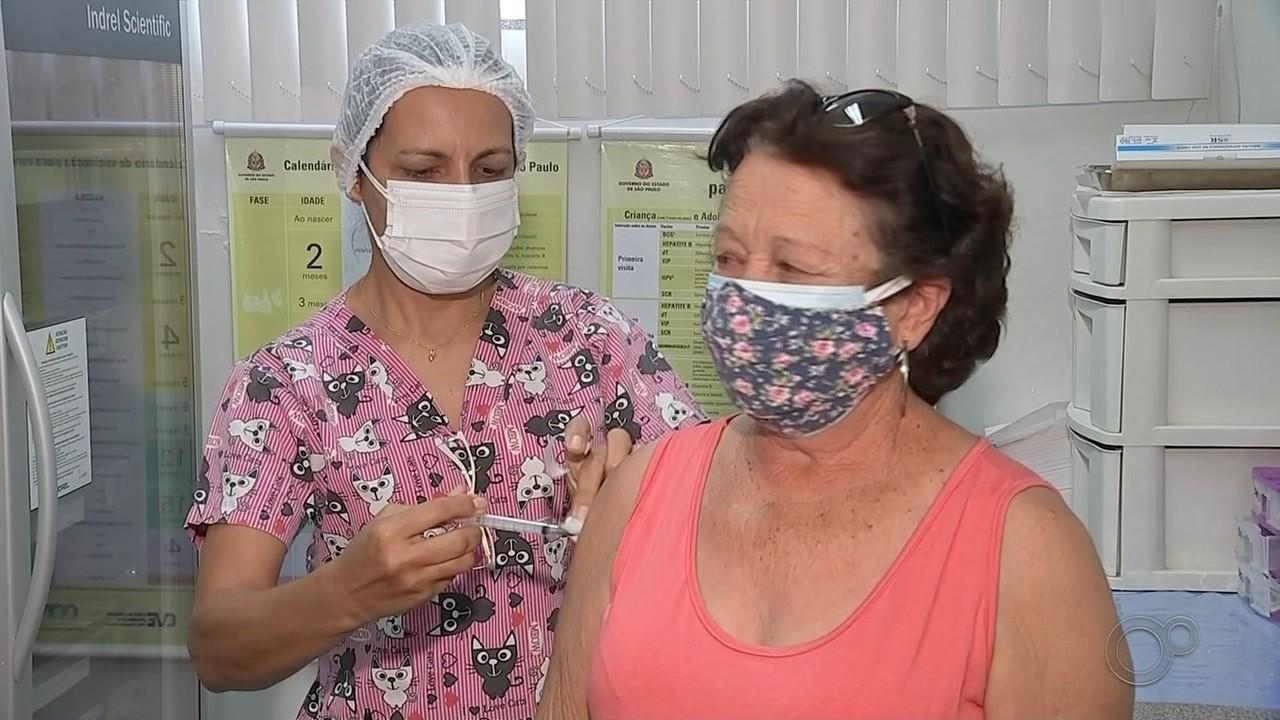 Bauru começa aplicar vacina contra a Covid-19 em idosos a partir de 67 anos