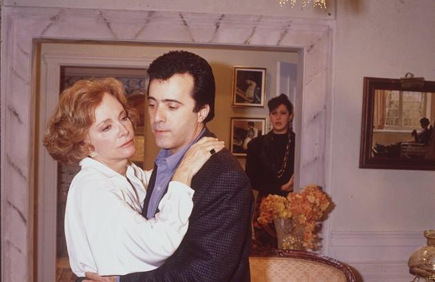 Tony também atuou em 'Rainha da sucata' como Edu Figueroa, filho de Laurinha (Glória Menezes) (Foto: Arquivo)