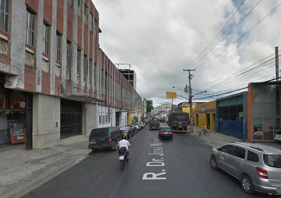 Acidente ocorreu na Rua José Mariano, no Centro do Recife (Foto: Reprodução/Google Street View)