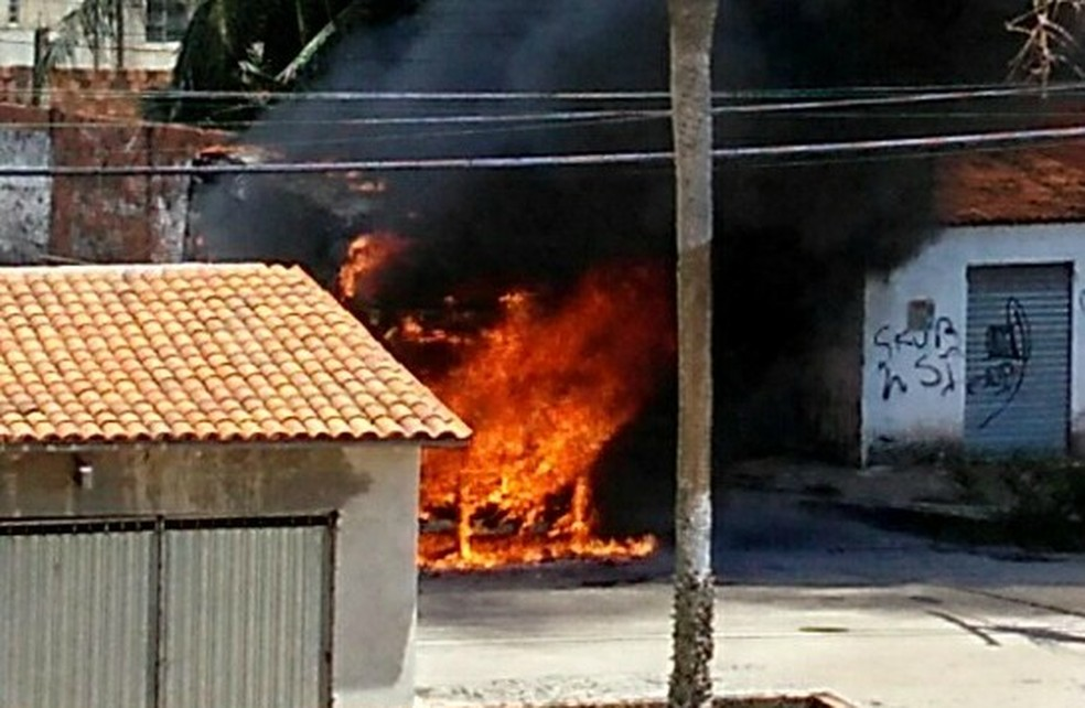 nibus so incendiados em Fortaleza Foto Arquivo pessoal