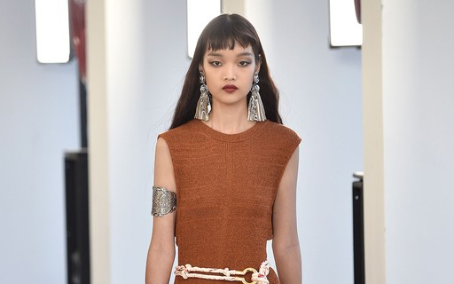e027703bb As 9 tendências de moda que vão reinar em 2019 - Vogue | tendências