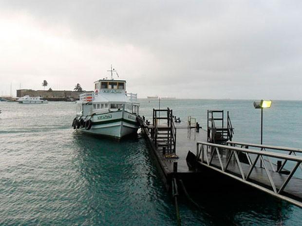 Travessia Salvador-Mar Grande se mantém suspensa pelo segundo dia consecutivo, por causa do vento forte e mar agitado