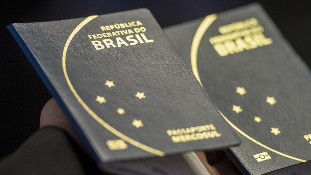 Hoje, brasileiros utilizam apenas o passaporte para ingressar em território europeu (Foto: Agência Brasil)