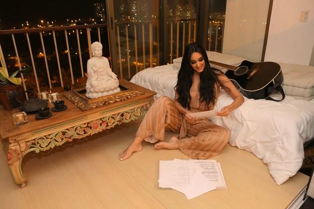 Marina Elali em seu espaço zen (Foto: Reginaldo Teixeira / Ed. Globo)