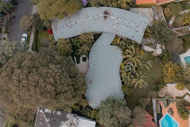 Casa em São Paulo assinada por Oscar Niemeyer está à venda por R$ 15 milhões (Foto: Divulgação)