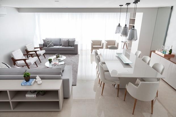 10 salas com aparador de sofá (Foto: Julia Ribeiro)