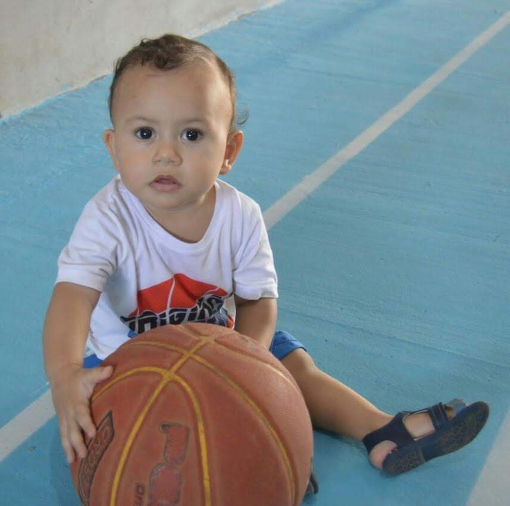 Kobe Vinícius, em homenagem ao astro da NBA — Foto: Arquivo pessoal
