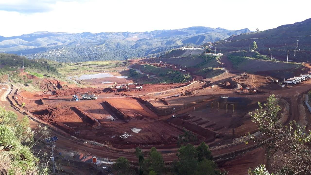 Dois anos depois que sirene de mina da Vale foi acionada, distrito de Macacos ainda vive impactos da 'lama invisível'