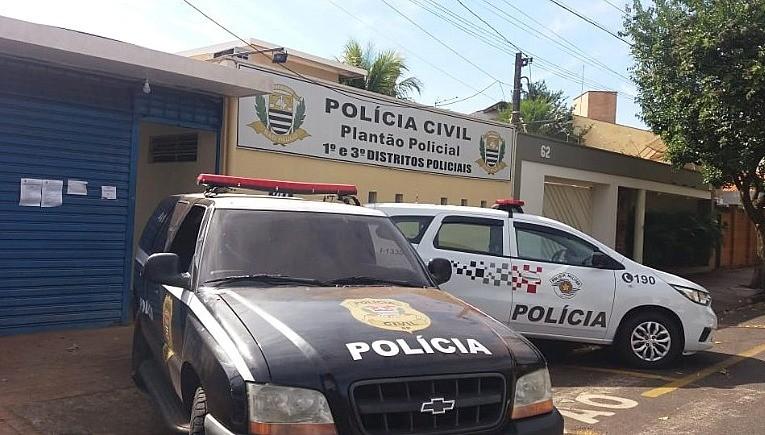Família com Covid-19 é assaltada em casa por três homens armados em Araraquara