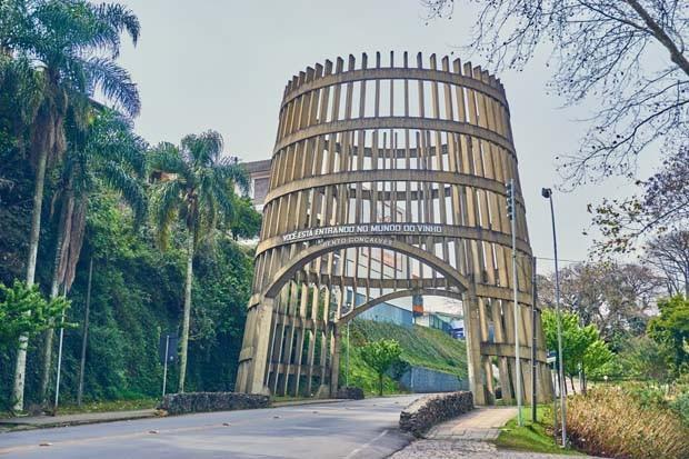 Bento Gonçalves, Rio Grande do Sul, Brazil - August 12th 2017 - Pipa Portico, entrance of the city of Bento Gonçalves in the Serra Gaúcha, Rio Grande do Sul, Brazil. (Foto: Getty Images)