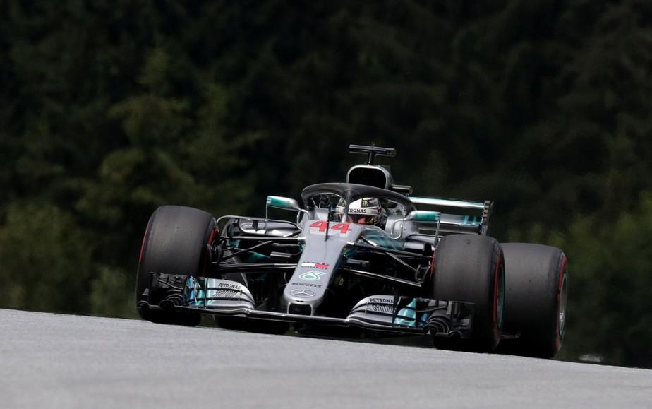 Em replay do primeiro treino, Hamilton lidera dobradinha da Mercedes na Áustria