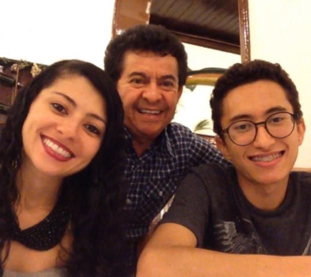 Carol, Gabriel e Solimões (Foto: Reprodução/Instagram)