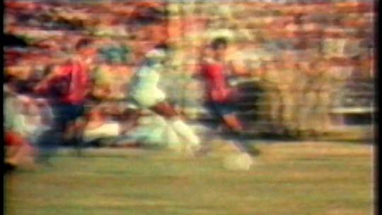 """""""O goleiro que não quis entrar para a história"""" recorda dia que parou Pelé"""