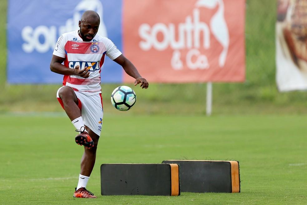 Armero decepcionou com a camisa tricolor (Foto: Felipe Oliveira/EC Bahia/Divulgação)