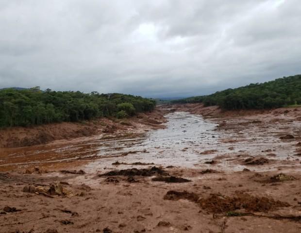Local onde estava pousada só há lama (Foto: Reprodução/TV Globo)