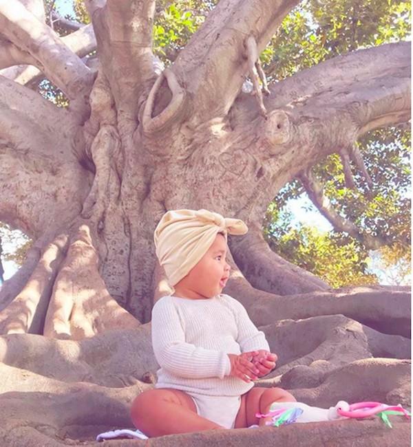 A filha da socialite Khloé Kardashian, True (Foto: Instagram)