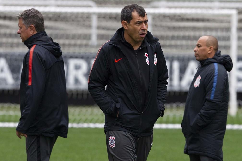 Demissão de Diniz faz Carille alertar elenco do Corinthians sobre mudanças no Fluminense
