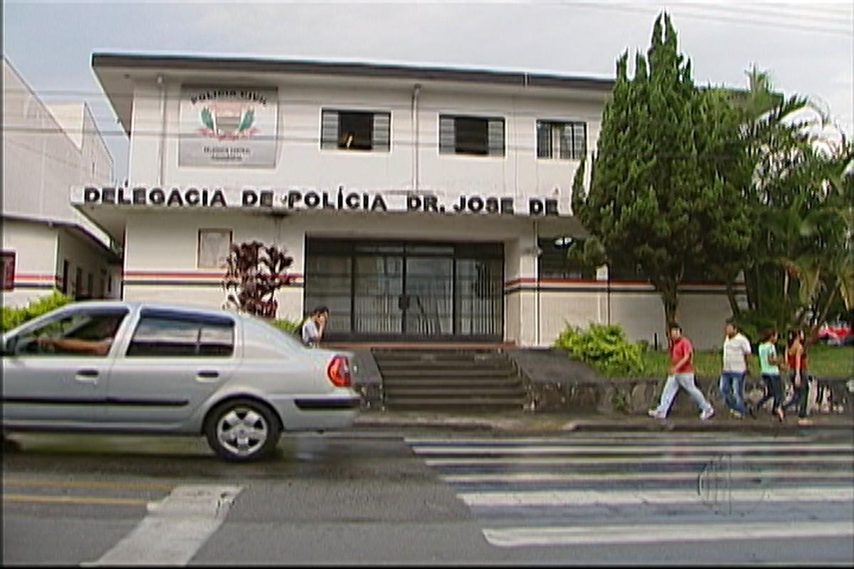 Após perseguição, ajudante é preso por suspeita de estuprar sobrinho de 8 anos dentro de carro em Itaquaquecetuba