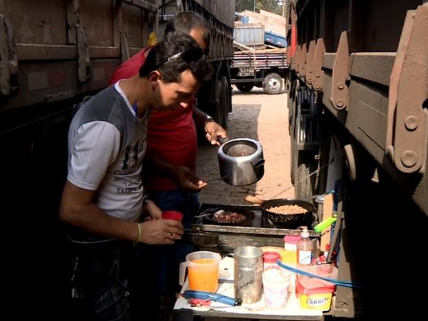 Image result for cozinha de caminhão