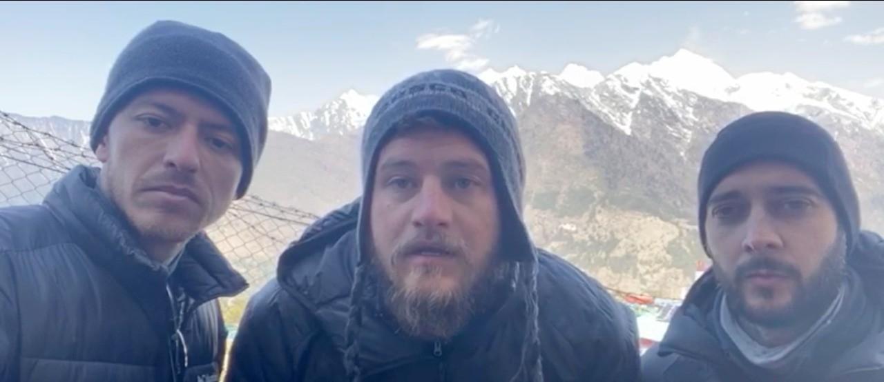 Isolados no Everest, empresários aguardam vagas em voos para voltar ao RS