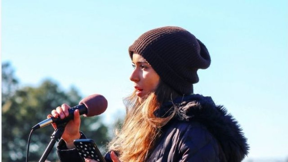 Sophia Kianni espera educar as pessoas em todo o mundo sobre o impacto das mudanças climáticas — Foto: HANDOUT