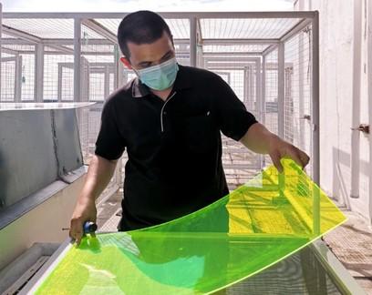 Painel solar criado a partir de resíduos  produz energia mesmo em dias nublados