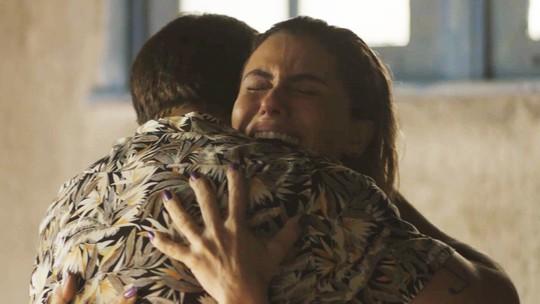 Ícaro revela a Luzia: 'Valentim é seu filho'