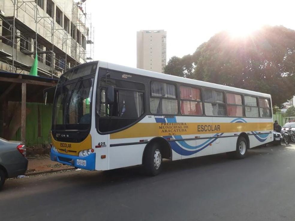 Rapaz é detido após atirar pedra em ônibus escolar em Araçatuba (Foto: Arquivo pessoal)