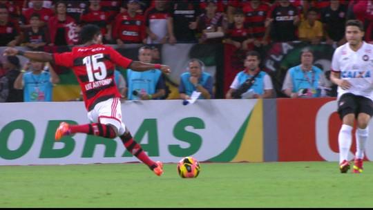 """Amparado por Antonio e livre do Fla, Luiz vira página por """"chance da vida"""""""