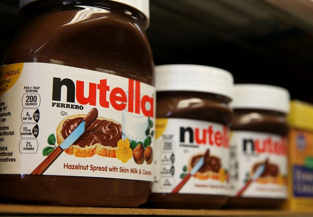 SAN FRANCISCO, CA - AUGUST 18: Jars of Nutella are displayed on a shelf at a market on August 18, 2014 in San Francisco, California. The threat of a Nutella shortage is looming after a March frost in Turkey destroyed nearly 70 percent of the hazelnut crop (Foto: Justin Sullivan/Getty Images)
