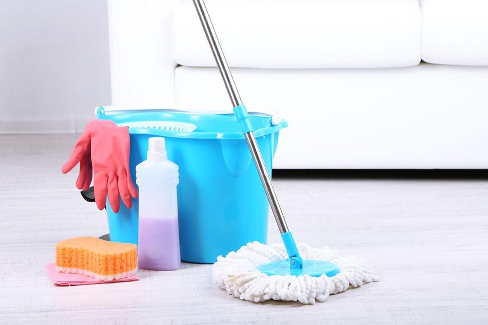 Esfregão é um acessório versátil e se tornou o queridinho na limpeza doméstica — Foto: Divulgação