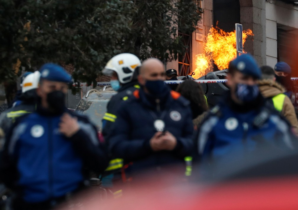 Incêndio é registrado em prédio no centro de Madri após explosão em 20 de janeiro de 2021 — Foto: Susana Vera/Reuters