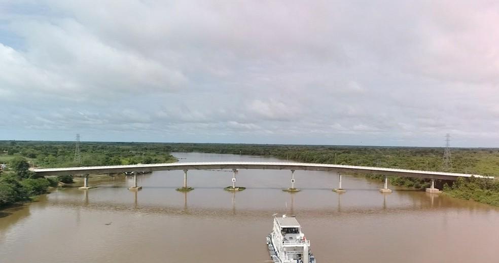 Rio Paraguai é rota para o comércio — Foto: TVCA/Reprodução