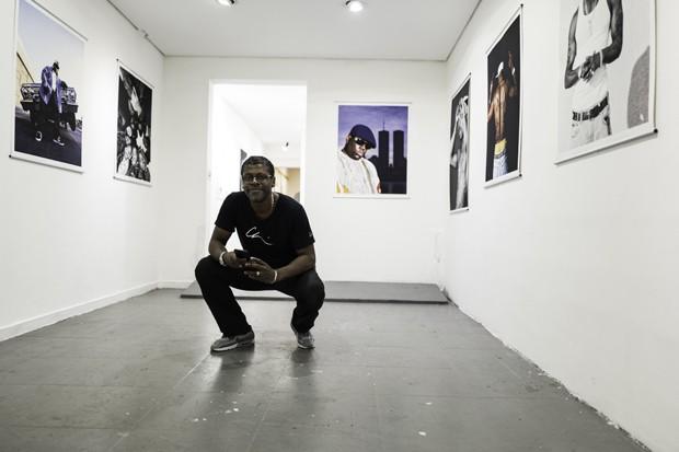 Chi Modu na exposição (Foto: Divulgação)