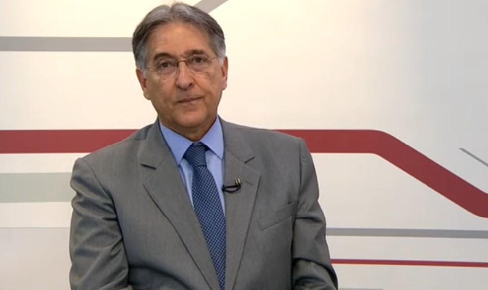 PF cumpre mandados de busca e apreensão em endereços ligados a Fernando Pimentel — Foto: Reprodução/TV Globo