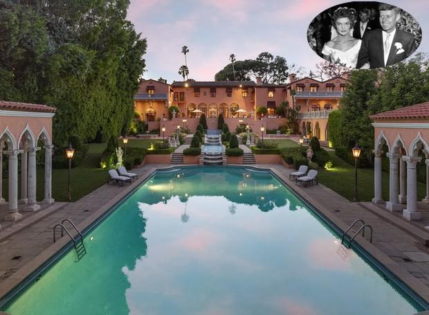 A casa é conhecida como The Beverly House e é uma das propriedades mais luxuosas da região (Foto: Jim Bartsch/ Reprodução)