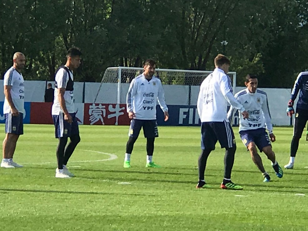 Messi na atividade da Argentina desta segunda-feira (Foto: Cahê Mota)