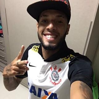 Paulinho Corinthians Flamengo (Foto: Reprodução / Twitter)