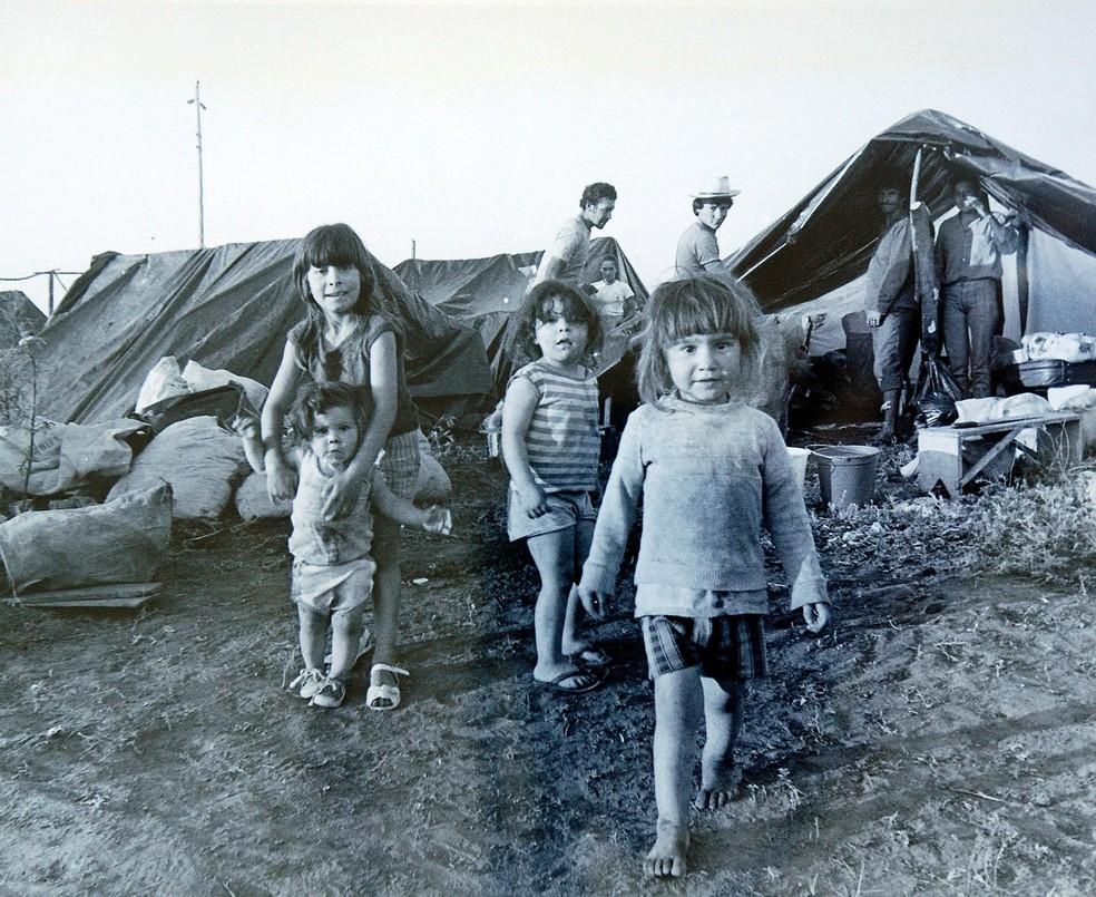 Registro de crianças durante acampamento — Foto: Memorial da República Itamar Franco/Divulgação