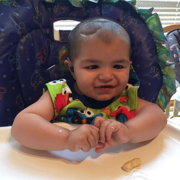 O pequeno Vito tem 20 meses e luta contra o câncer (Foto: Reprodução/ Facebook Nicole Skaro)