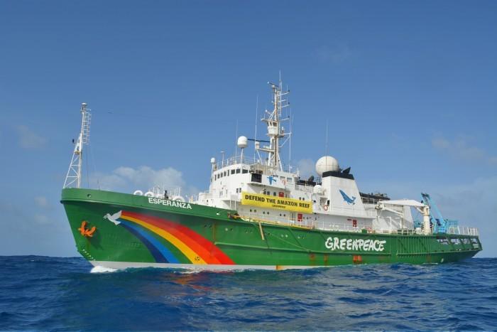 Navio Esperanza do Greenpeace usado por pesquisadores brasileiros para investigar os Corais da Amazônia (Foto: Divulgação/Greenpeace)