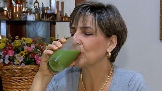 Doceira fecha a boca, muda hábitos e emagrece 22kg com 1h de esteira por dia