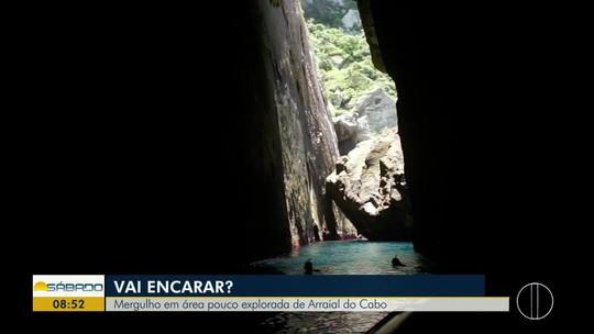 """""""Vai Encarar?"""" faz snorkel na Gruta da Camarinha, um paraíso de águas claras em Arraial"""