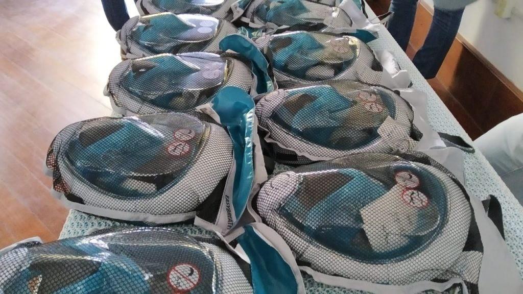 Máscaras adaptadas para tratamento respiratório de pacientes da Covid-19 são distribuídas na região
