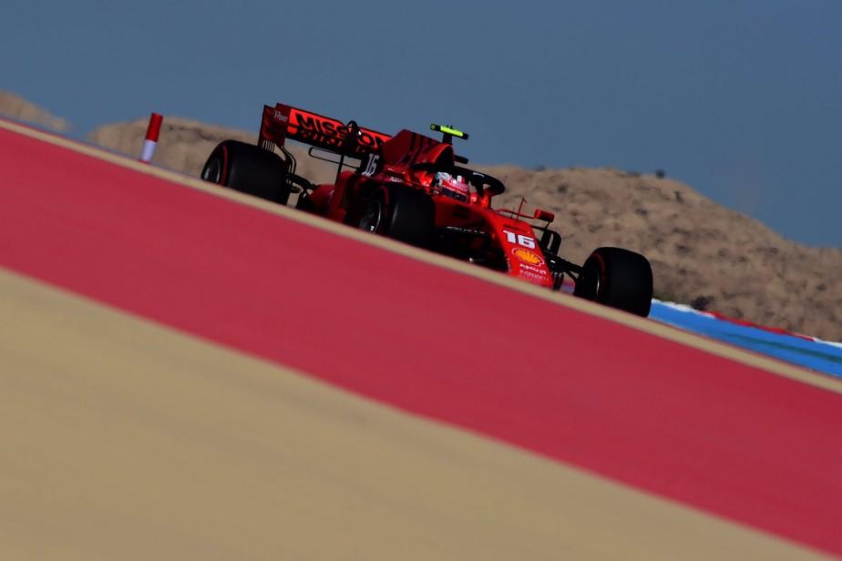 Ferrari volta a dominar, e Leclerc leva a melhor sobre Vettel no terceiro treino livre no Barein