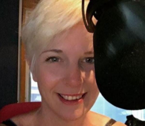 Vicki Archer foi encontrada morta em sua casa, horas depois de apresentar um programa de rádio da BBC (Foto: Reprodução)