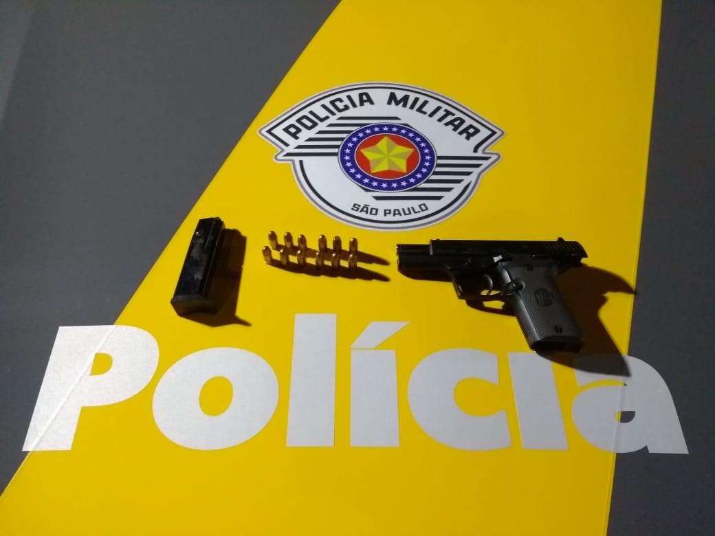 Homem é preso por porte ilegal de armas em base da Polícia Rodoviária de Florínea - Noticias