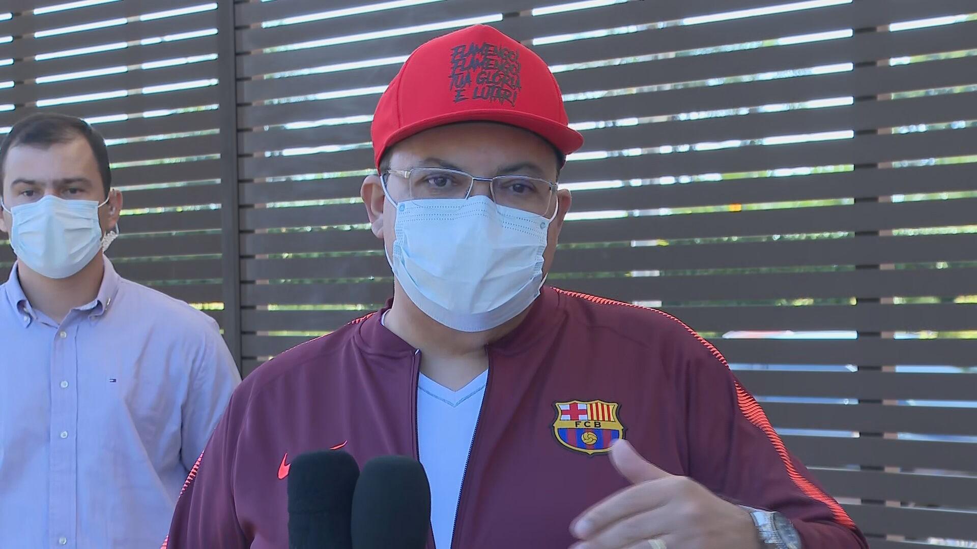 Ibaneis volta a ser internado em hospital particular após cirurgia de emergência