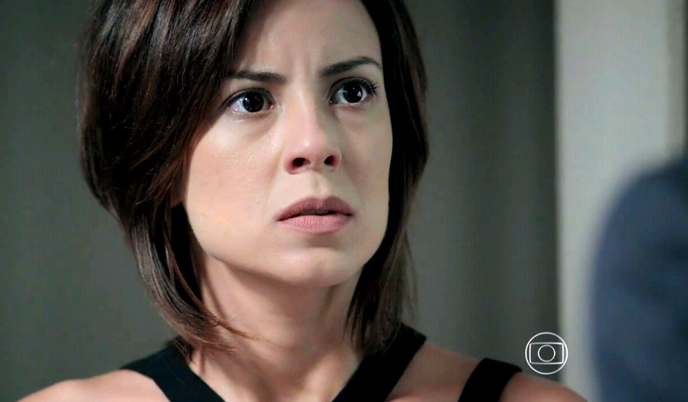 Maria Clara (Andréia Horta) fica chocada ao ouvir Maurílio (Carmo Dalla Vecchia) ameaçando Cristina (Leandra Leal) - 'Império' — Foto: Globo
